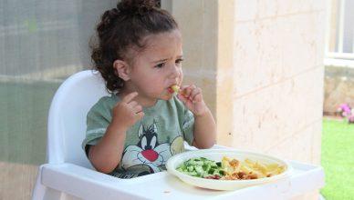 dziecko je smaczny posiłek